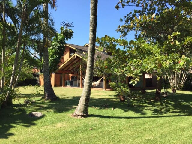 Lawn access to the beach