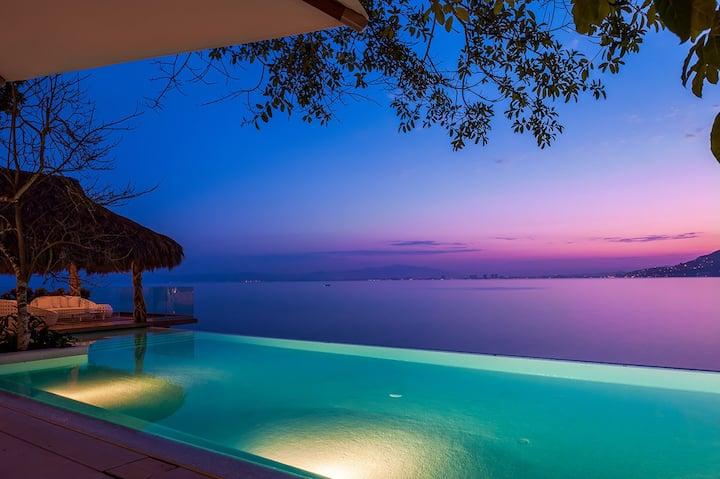 Luxury ocean front Villa, stunning views