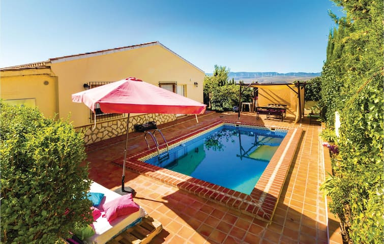 Holiday cottage with 3 bedrooms on 112m² in Padul