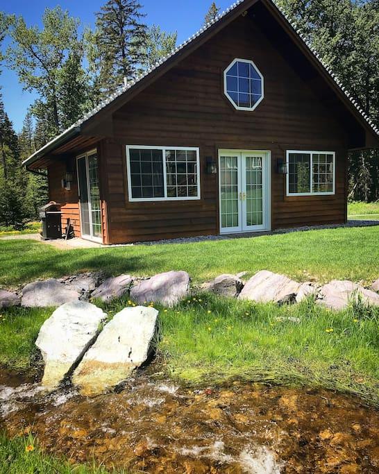 Beautiful creekside cabin close to town chalet in for La baita di columbia nj