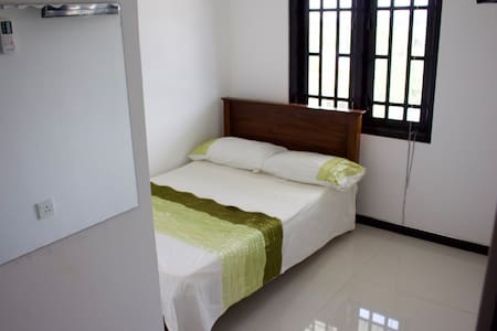 Rm 9 A/C Double, TV  & Lake View - Kataragama