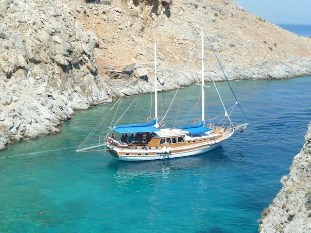 Blue Voyage - Greek Islands Hopping
