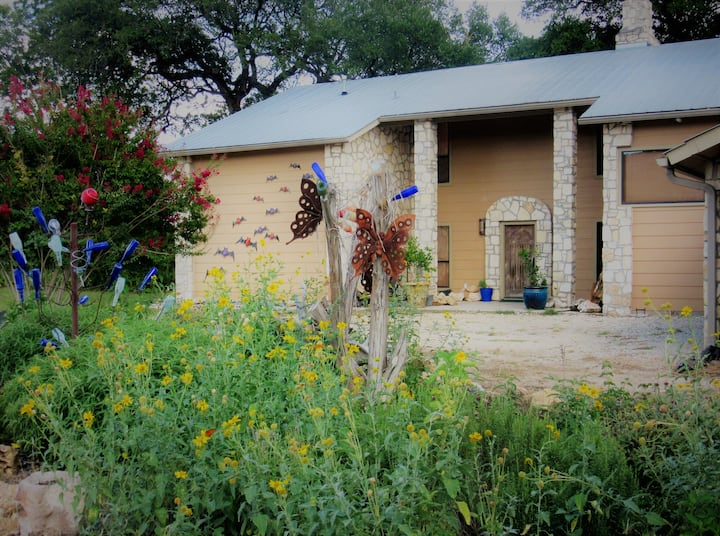 Rancho Pajaro - Luxury Retreat near Concan, TX