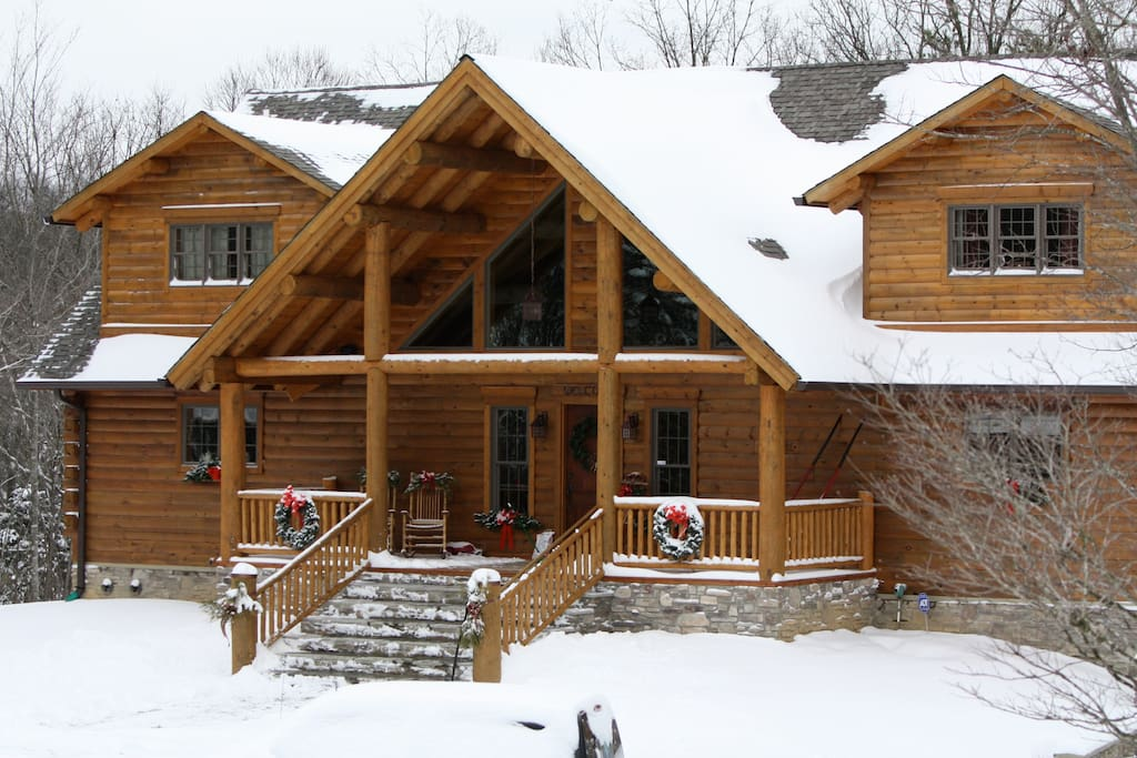 Lonesome Pine Lodge - Amazing retreat - Winter or Summer