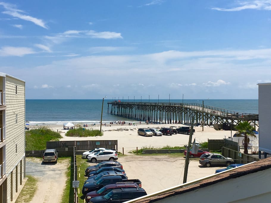 View from front deck and living room pier open 24/7  with restaurant and bar on third floor. Fishing per day 10$  they rent rods ect.