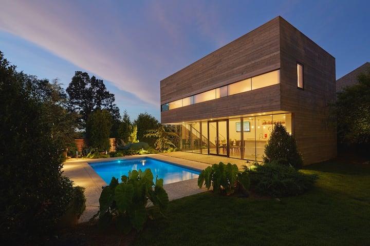 Srygley Pool House - HEATED POOL!!!