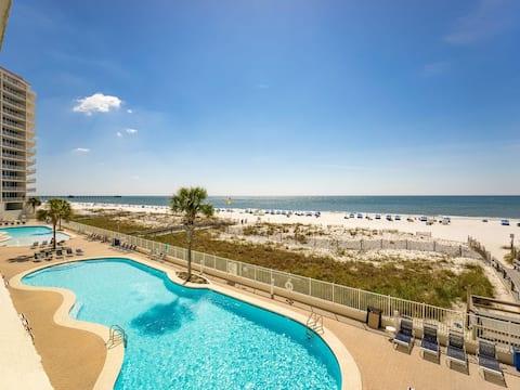 SUGAR SAND BEACHES VIEWS ALL DAY LONG!