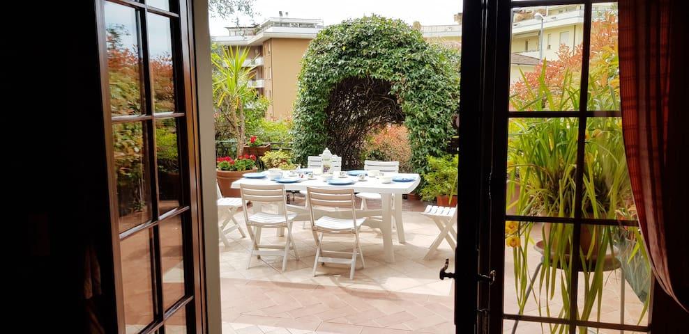 Margherita's Garden Half-Villa!