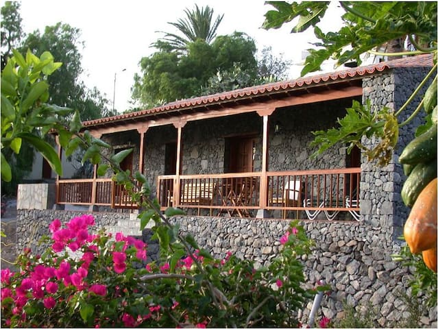 RURAL HOUSE IN  LA GOMERA-R