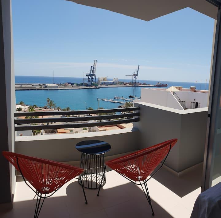 Céntrico apartamento con vistas al mar (reformado)