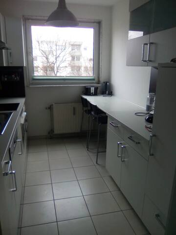 Single bedroom .  Messe - Fair -   NEAR - Laatzen - Appartement