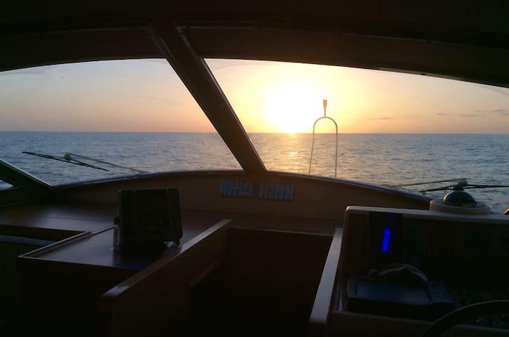 """Noleggio Yacht privato"" - Puerto Calero - Villa"