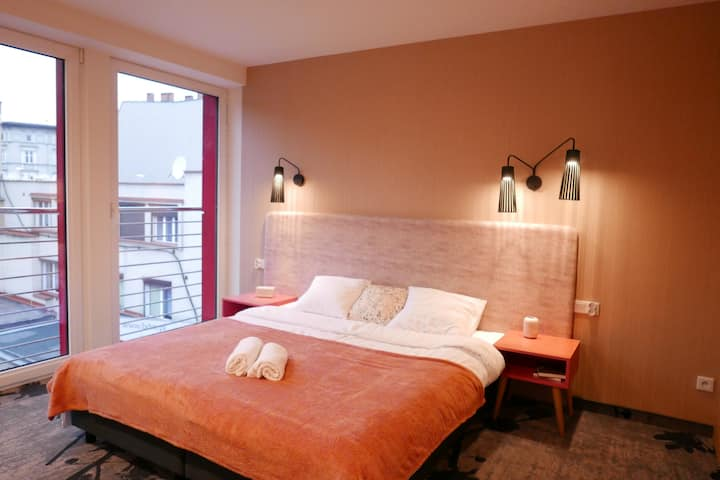 Mosquito Silesia Apartments - Pink