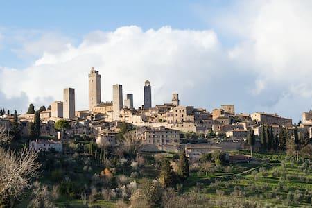 B&B Il Fienile - San Gimignano - 圣吉米尼亚诺 - 住宿加早餐