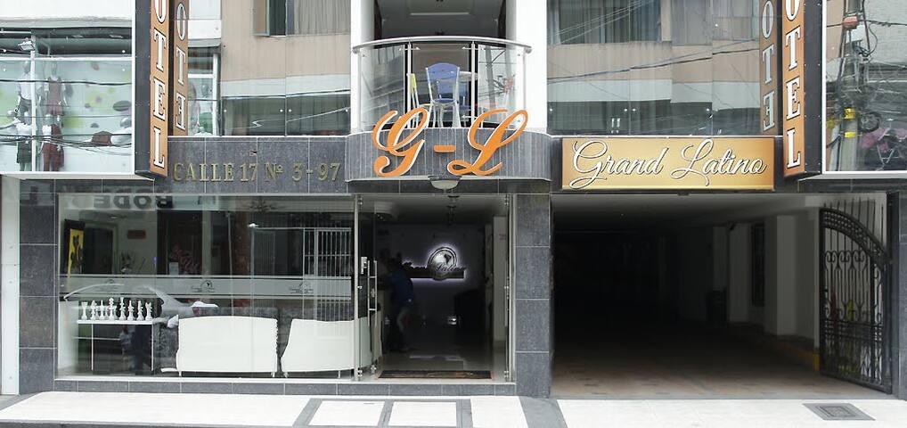 EXCELENTE HABITACIÓN EN HOTEL GRAND LATINO