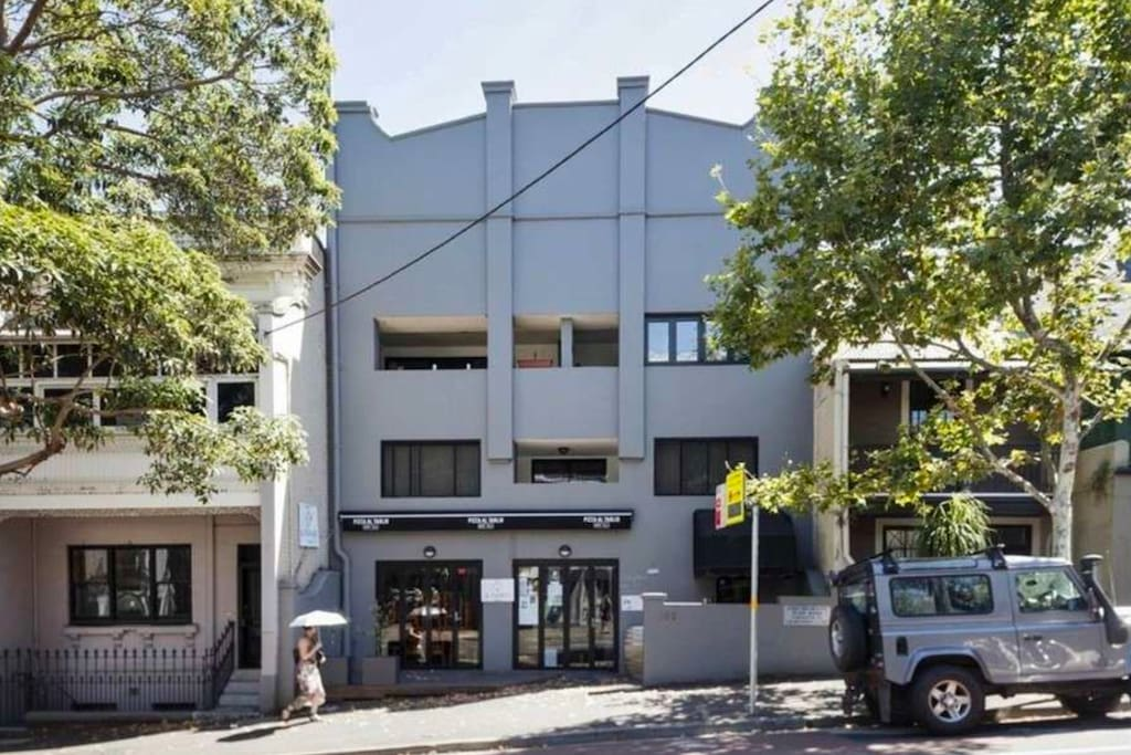 Unbeatable location, right in heart of Surry Hills.