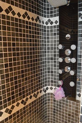 Ducha italiana, baño en suite