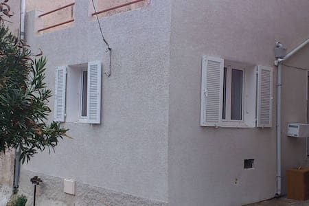 LOCATION MAISON DE 2 A 6 PERSONNES - Poggio-d'Oletta