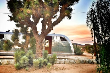 1950 Spartan @ Camp Temenos - Pioneertown