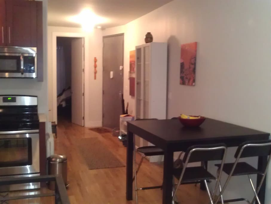Dinning area / Entryway