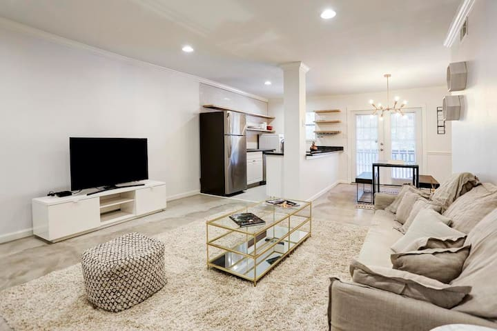 Centrally located vintage-urban home