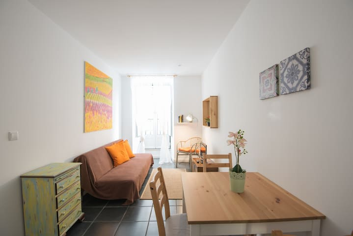 Typical Flat VINHAS - Terrace & great location!