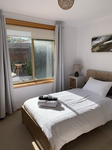 Bedroom 3- includes King-single bed plus single trundle/ floor mattress. Large double mirror cupboards and set of shelves