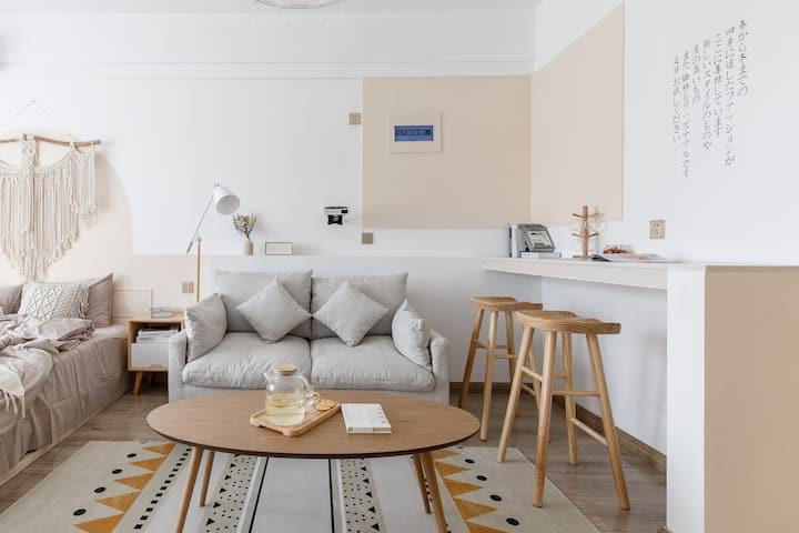【奈斯优选】日系小清新|舒适一居公寓|北园大街|邻荣盛国际|大屏投影
