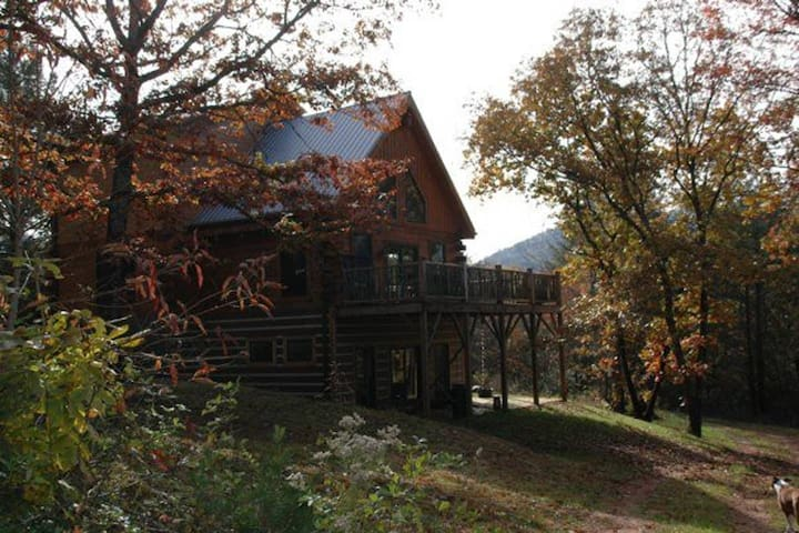 Rustic Log Cabin Nestled Privately in the Woods