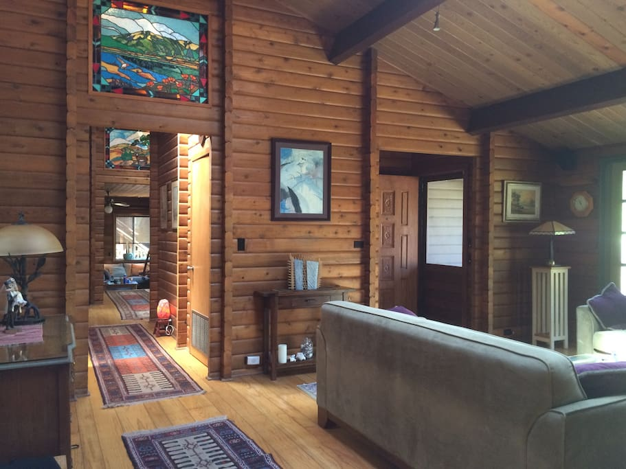 Relax & Escape at the Oxford Valley Lodge