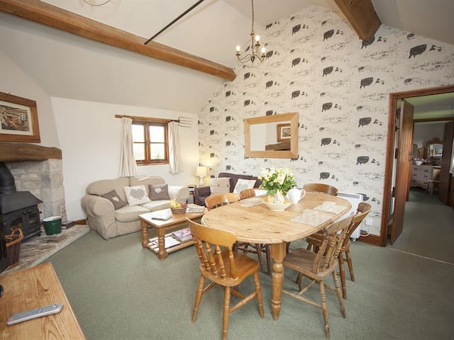 ⭐️Pig Wig Cottage⭐️| Bright & Cosy Country Retreat