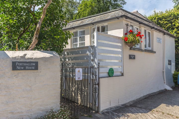 Porthallow Lodge