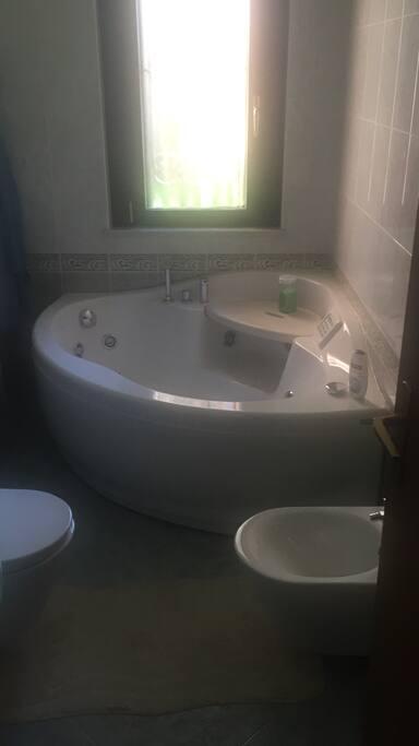 Camera in appartamento ristrutturat flats for rent in - Piscina settimo milanese ...