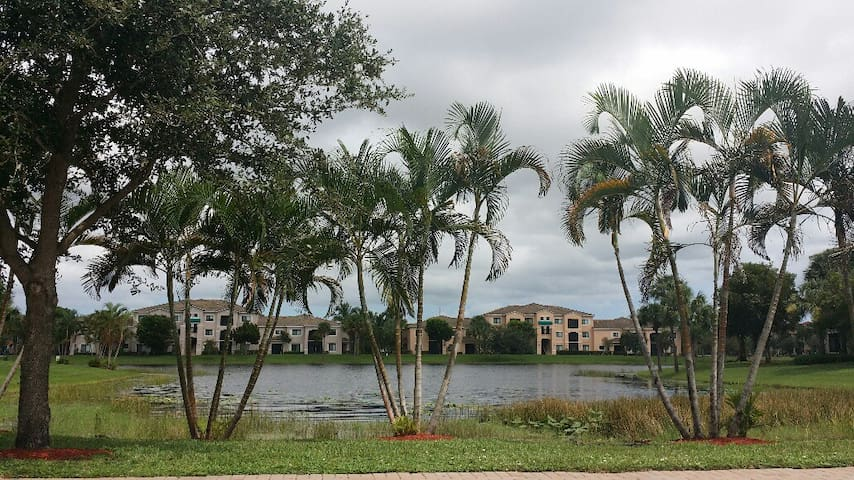 Beautiful Condo in Palm Beach Gardens - Palm Beach Gardens - Condominium