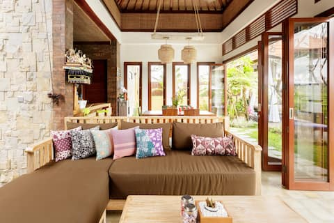 Contemporary Villa with Rice Fields and Sunsets View