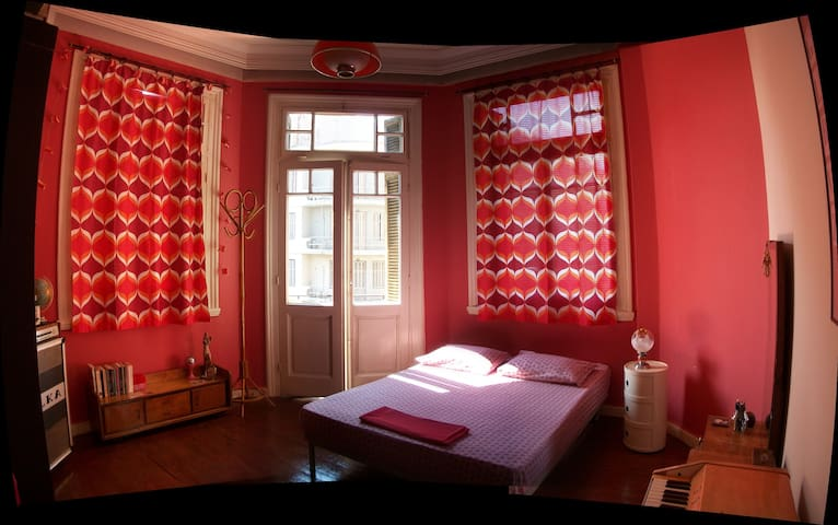 Downtown vintage-style room - Thessaloniki - Apartment