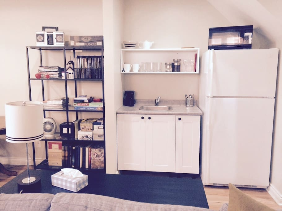 Fix a coffee or have a glass of wine and a snack with stocked kitchenette