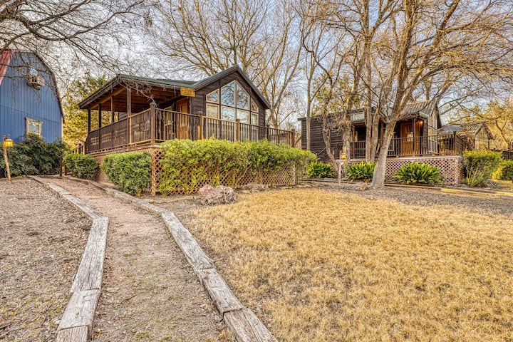 Family-friendly cabin at a working winery w/ shared hot tub, BBQ, & firepit!