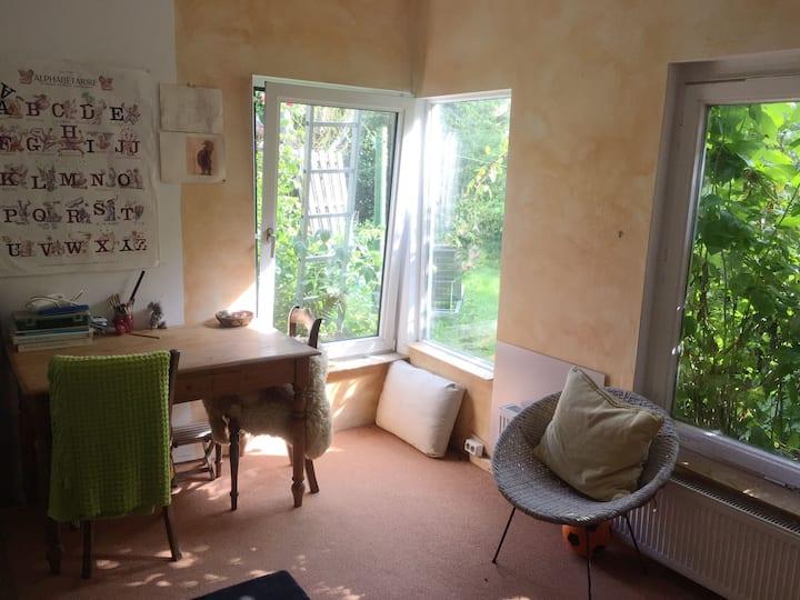 Gartenhaus, zentral, idyllisch, eigener Eingang