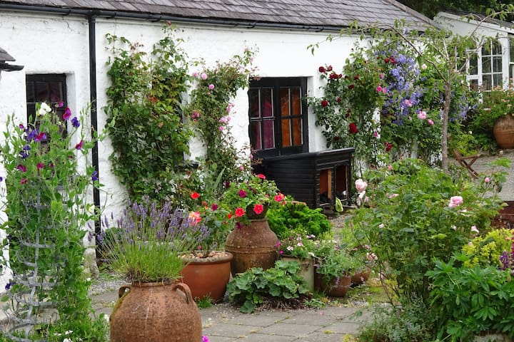 Stable Cottage, Glendalough, Rathdrum. Co Wicklow