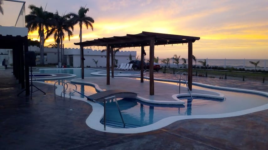 El Castillo del Mar Suites 1