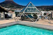 Pool access at Temple House with sweeping views of table mountain and lions head. Walking distance from our apartment:)