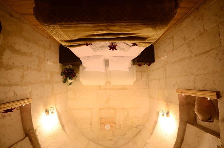 ismaıl uz - Ürgüp - Caverna