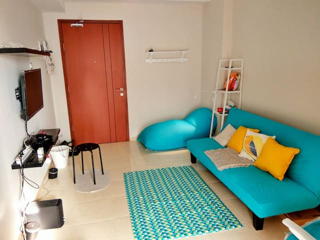 """Staycation"" studio with big swimming pools! - Ciputat, Tangerang Selatan - Byt"