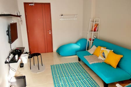 """Staycation"" studio with big swimming pools! - Ciputat, Tangerang Selatan"
