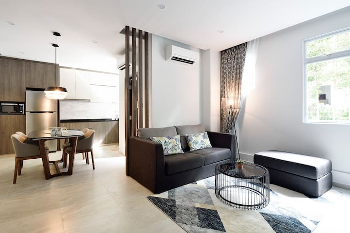 NEWLY RENOVATED 1 Bedrm Apartment Orchard/Stevens