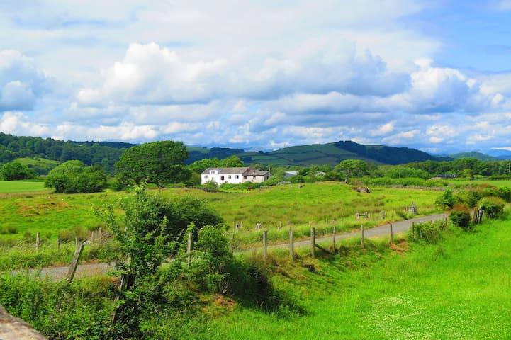 Spacious Converted Barn - Epic Countryside Views! - Cumbria - Hus