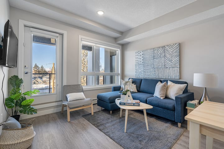 BRAND NEW - Charming Suite In Prime Location