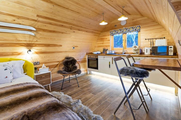 Ski Lodge - Luxury forest glamping In the Moors