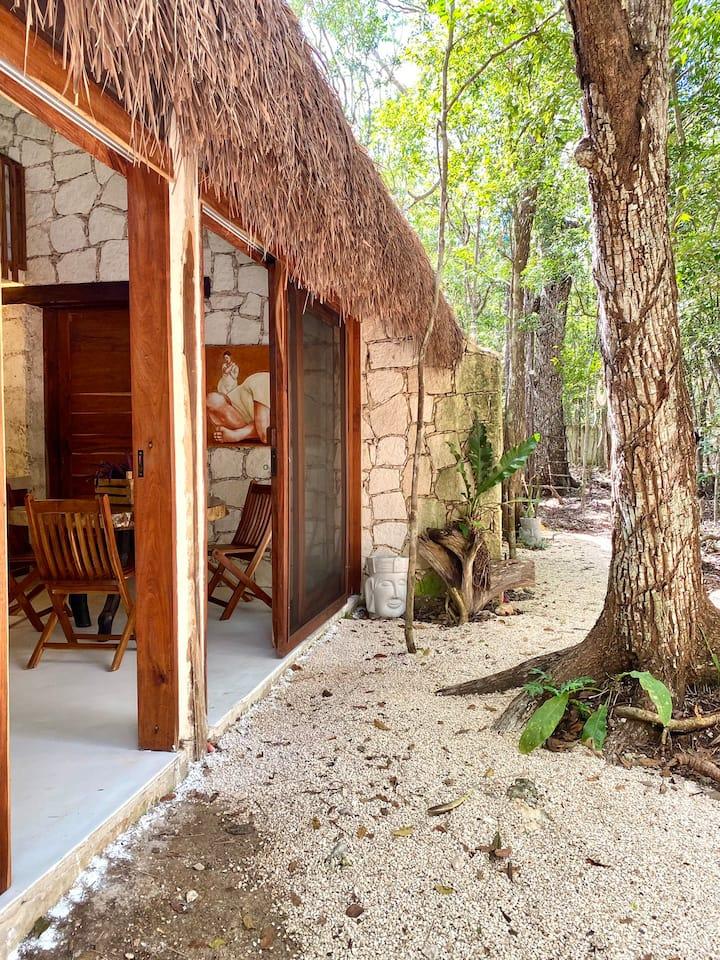 Tulum Jungle Sanctuary- 5 min from Cenotes